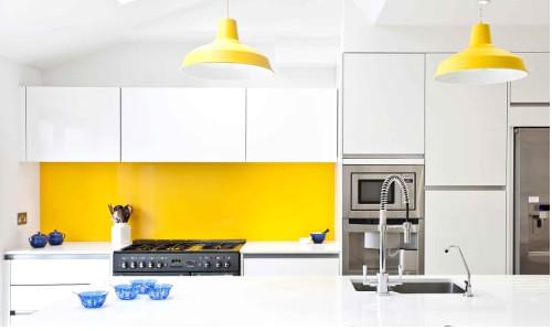 cocina pintada amarilla